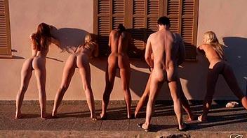 5 chicas folladas en grupo por un solo hombre