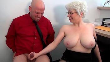 Follando a la esposa de su jefe