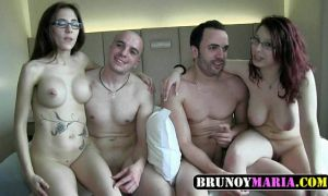 Mujeres españolas follando duro en un hotel con dos tios