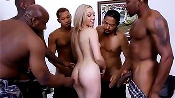 Rubia jovencita follada por 5 negros